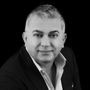 Portrait George Karam