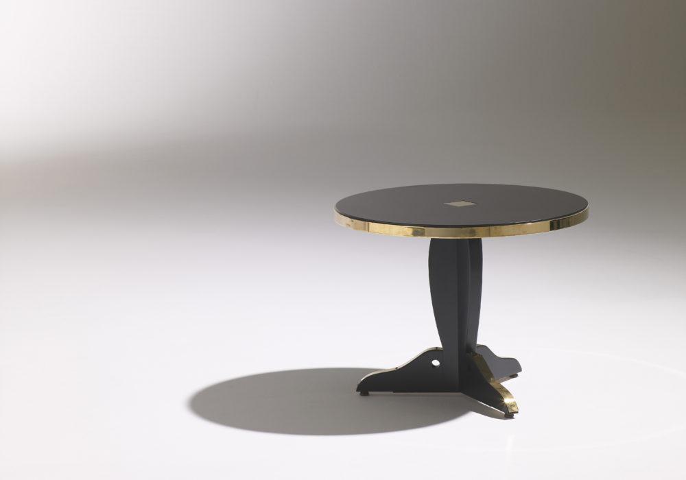 Guéridon Marly petit / Guéridon design / Café Marly / noir et doré / plateau rond / cerclage laiton / Designer Olivier Gagnère / Éditeur SOCA