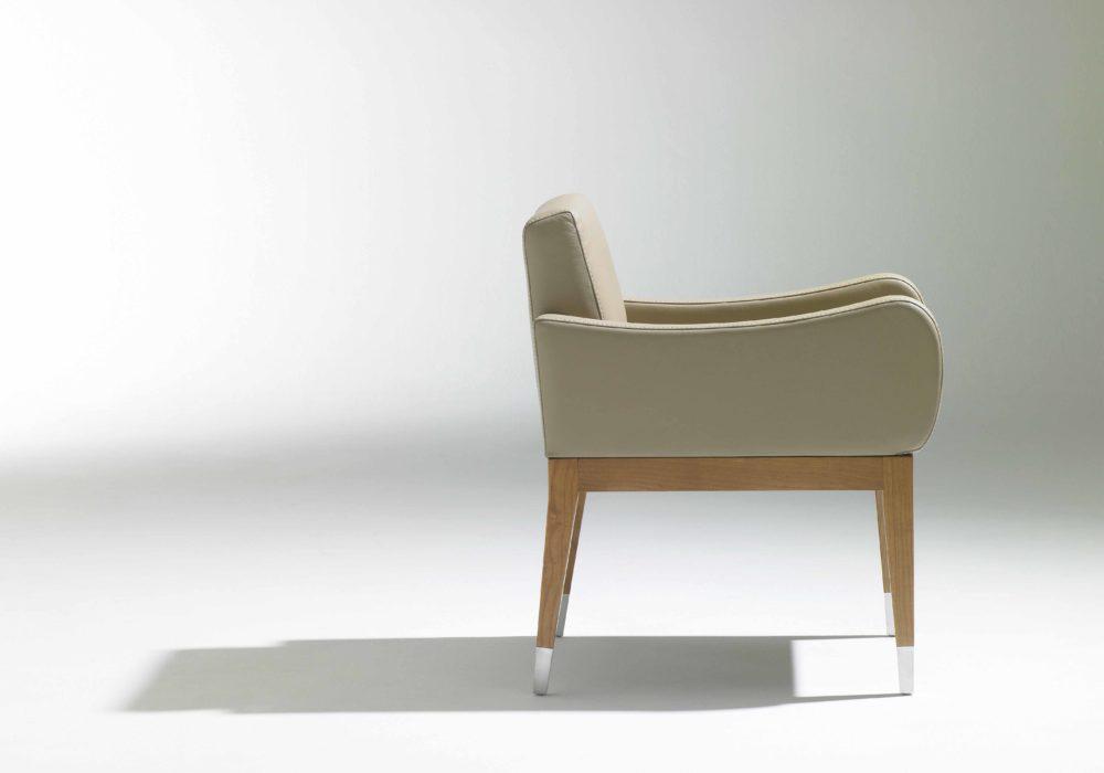 fauteuil bridge design beige cuir Soca George Karam