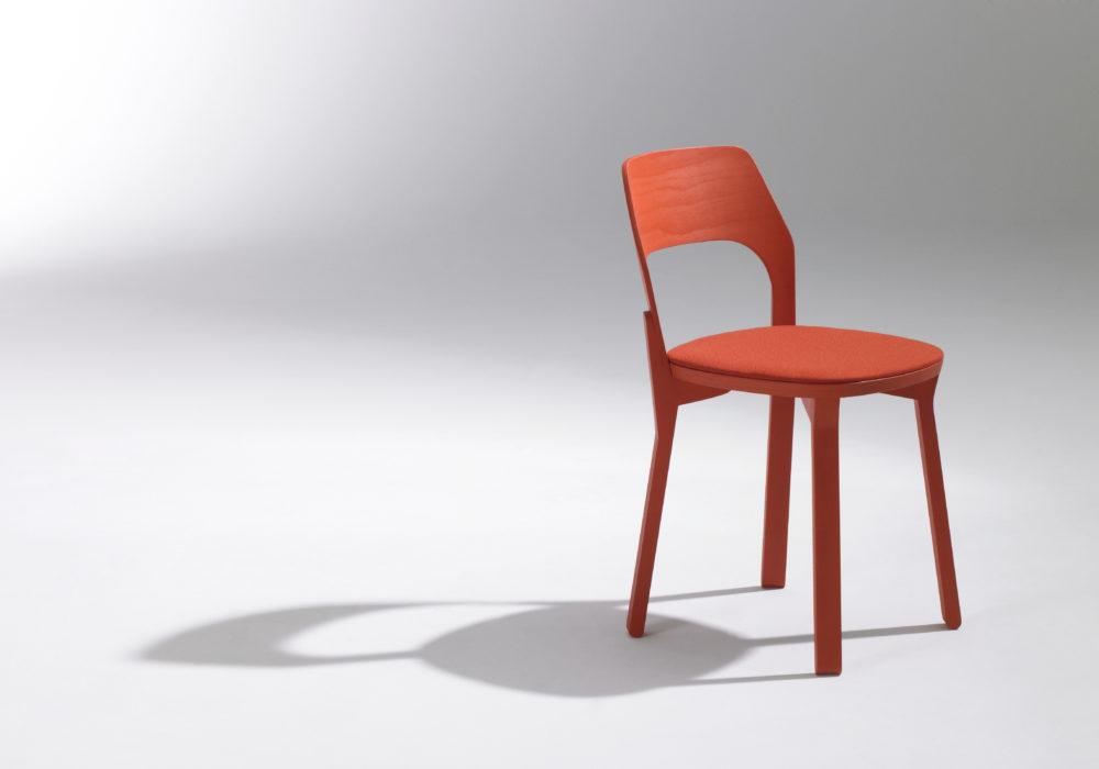 Chaise design rouge / Chaise restaurant bar / Designer Jérôme Gauthier / Éditeur SOCA