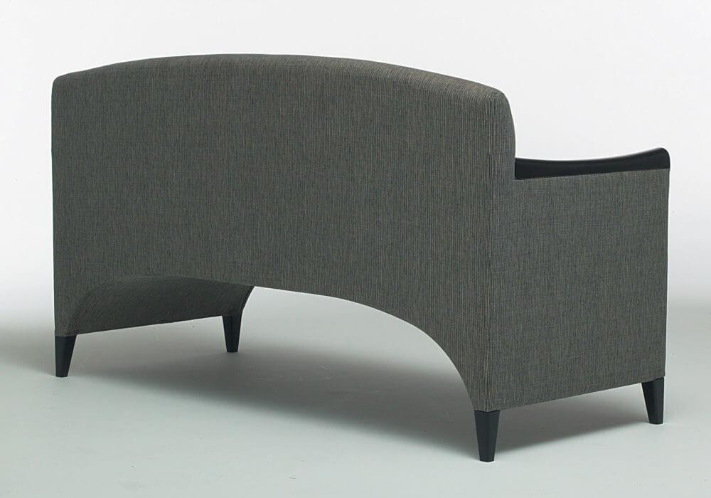 Canapé design / Tissu beige marron / 2 places avec accoudoirs / Design Olivier Gagnère / Editeur SOCA
