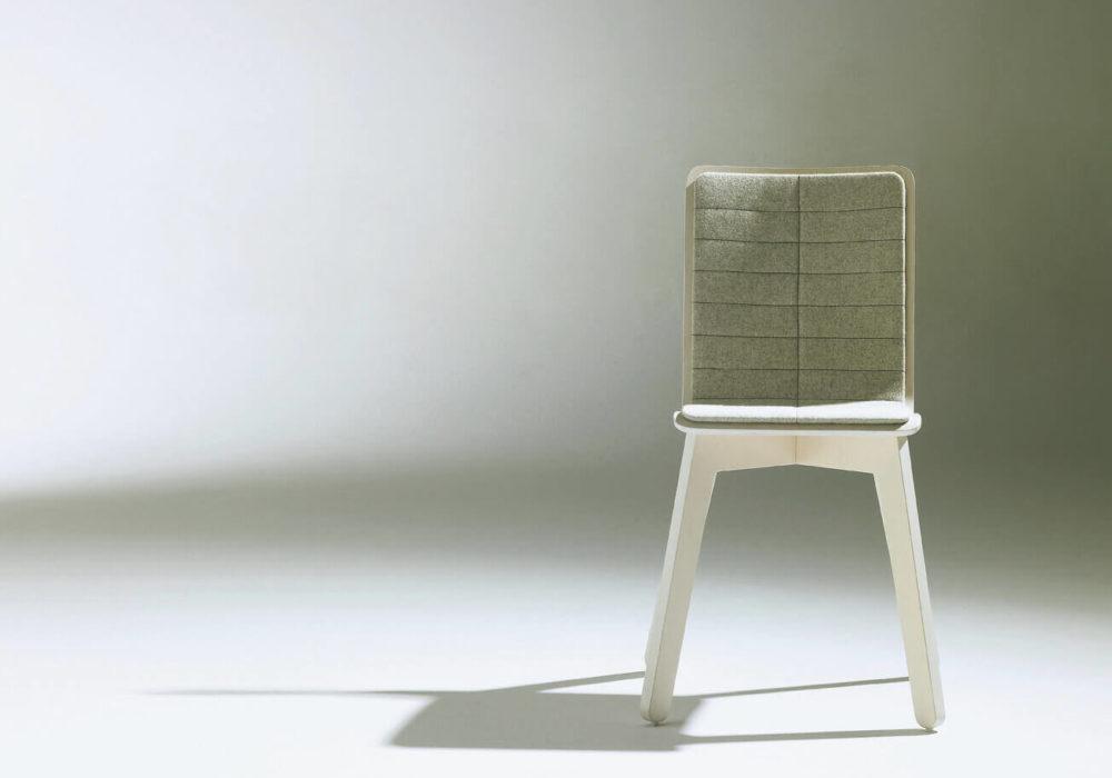 Chaise Frizz / design / bois garni gris chiné / Design Thierry D'Istria / Editeur SOCA