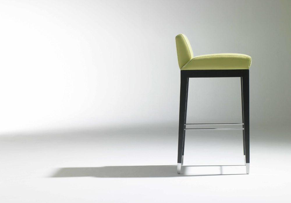 chaise haute design vert cuir Soca George Karam