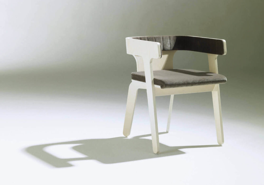 Bridge Frizz / design bois blanc garni gris / Design Thierry D'Istria / Editeur SOCA