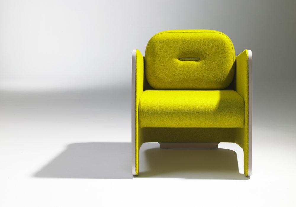 Fauteuil Frizz / Design contemporain / Coque bois / Tissu vert anis / Design Thierry D'Istria / Editeur Soca