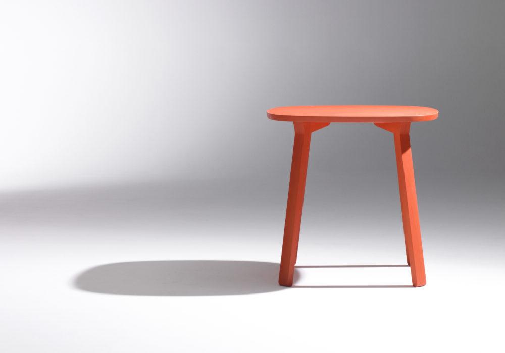petite table design / table d'appoint / rouge / guéridon / Designer Jérôme Gauthier / Éditeur Soca