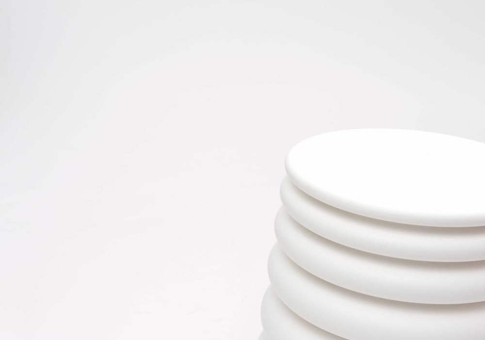 pouf contemporain design blanc SOCA Thierry D'Istria