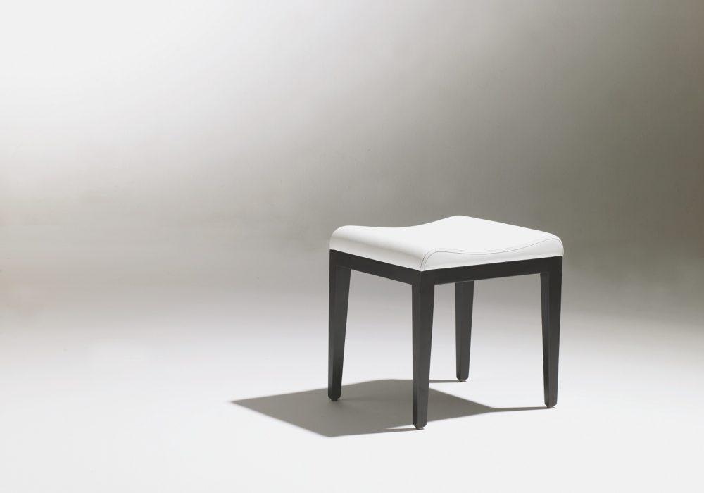 Pouf tabouret design contemporain blanc et noir George Karam Soca
