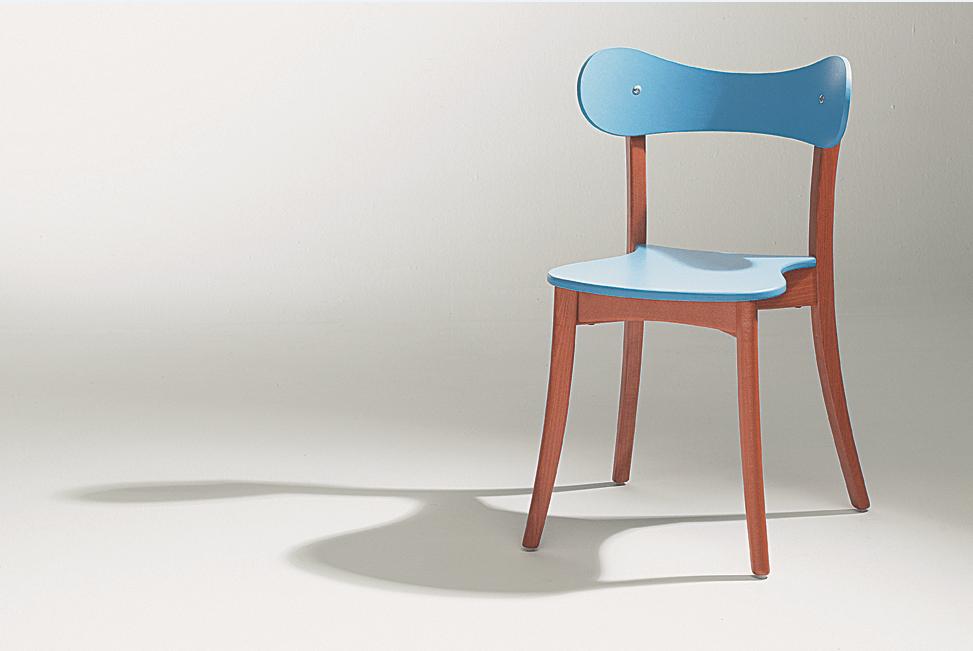 chaise design bois bleue Soca Thibault Desombre