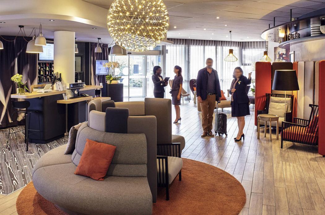 Hall accueil hotel novotel Paris Bercy
