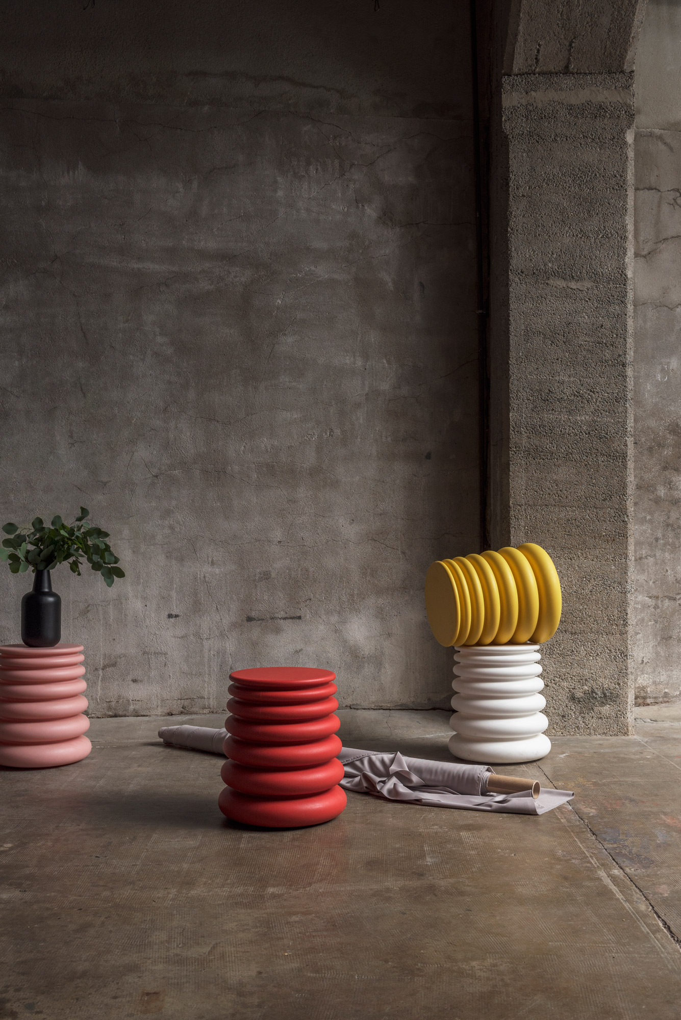 poufs contemporains design colorés SOCA Thierry D'Istria