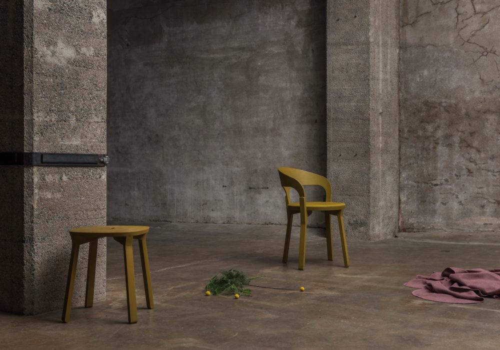 Ambiances industriels / Mobilier design contemporain / mobilier chr / Designer Jérôme Gauthier / collection CAL / Chaise et tabouret / Éditeur SOCA