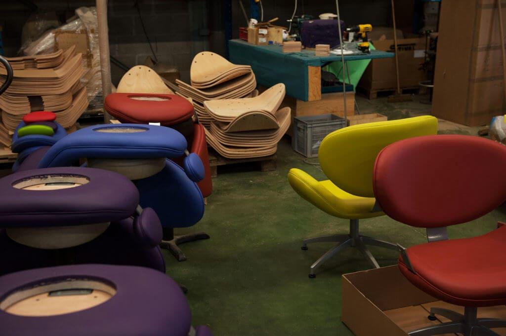 fauteuils design en construction atelier assemblage soca