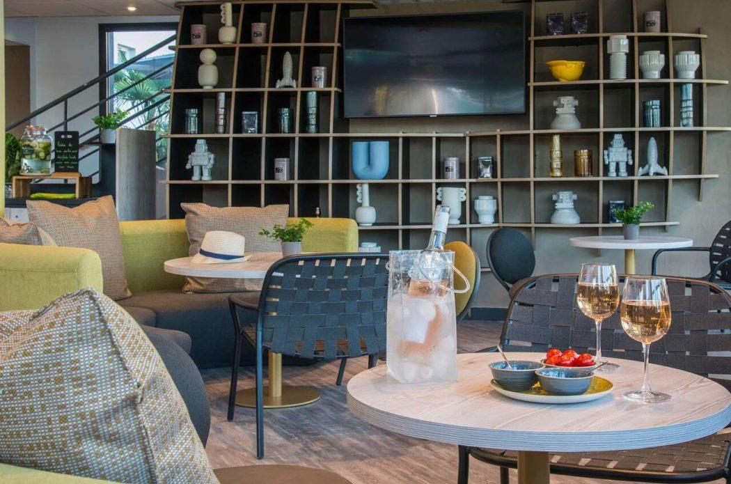 Ibis Styles Pertuis Luberon / Réception hôtel