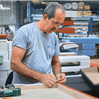 Le métier de tapissier chez SOCA