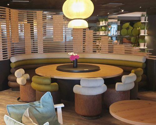 Novotel Bordeaux Centre restaurant Les Décantés Banquette et chauffeuses Sorry