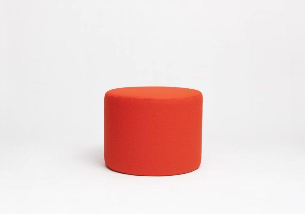 Grand pouf rond orange en laine - Argos - 60 cm